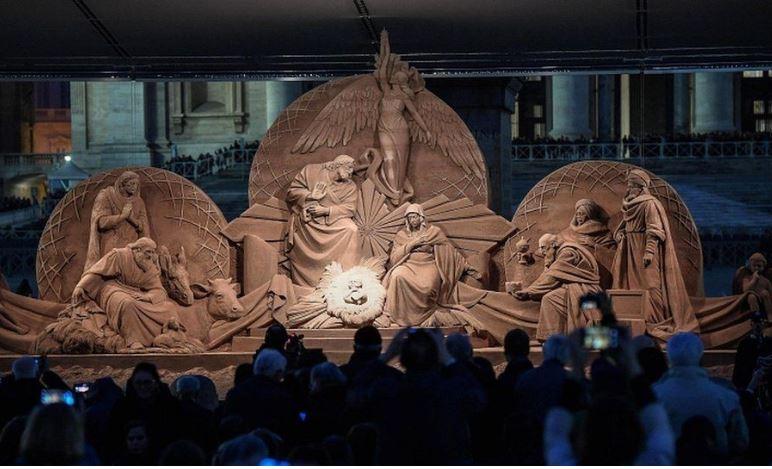 Вертеп из песка в Ватикане