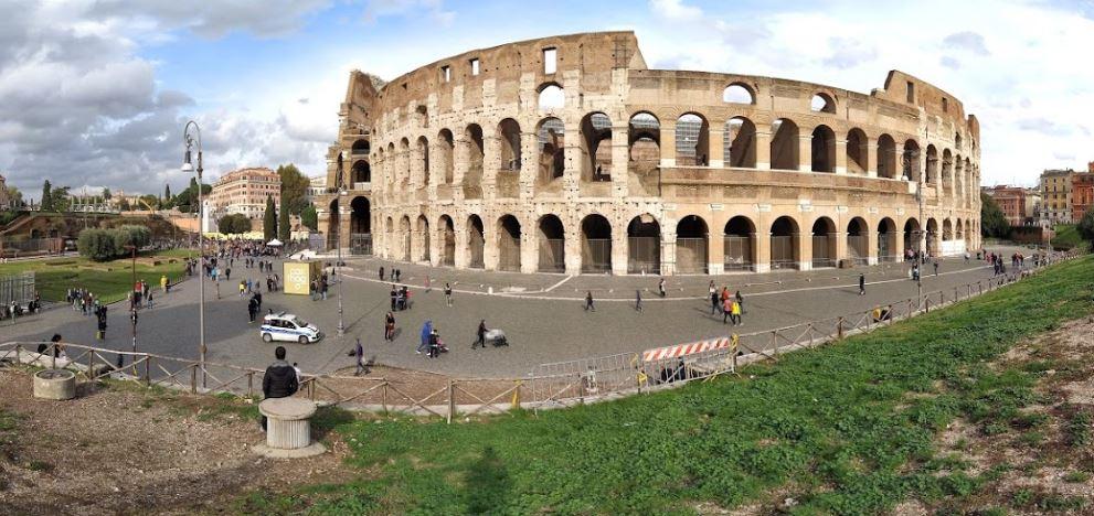 Римский Колизей снаружи