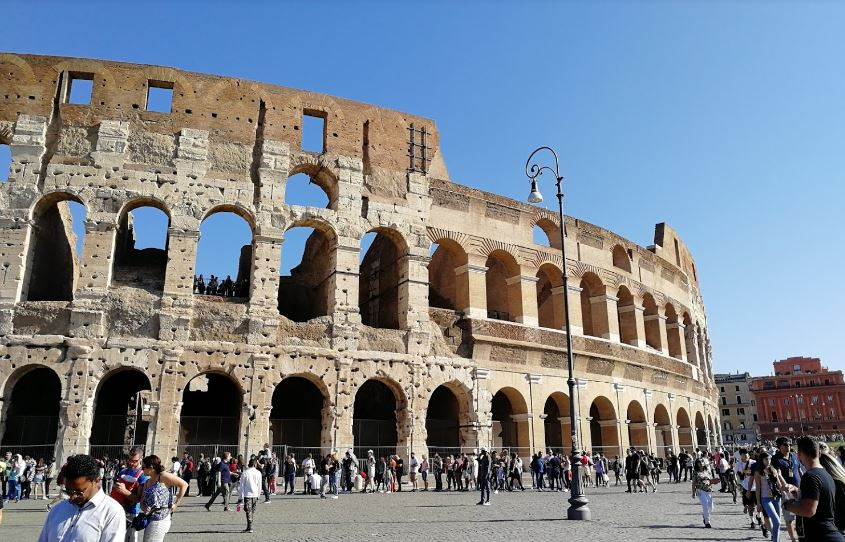 Очереди в Колизей