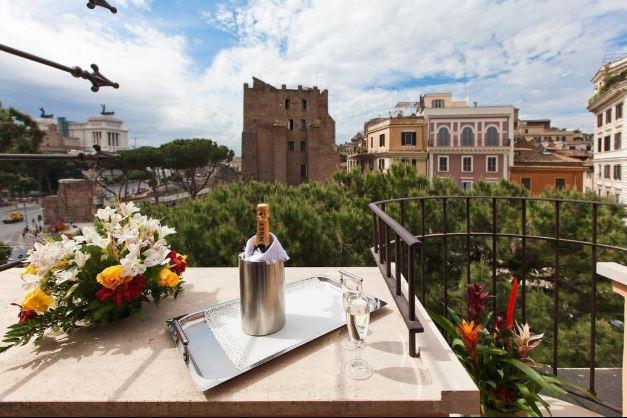 Вид с отеля Романо