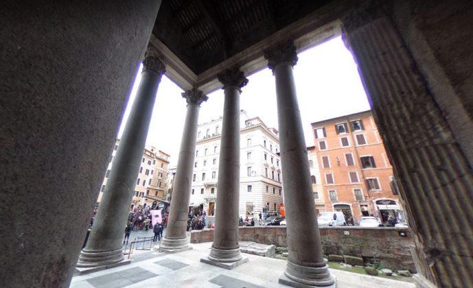 Египетские колонны в Пантеоне