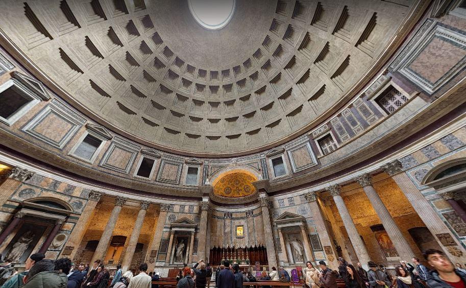 Внутри Пантеона