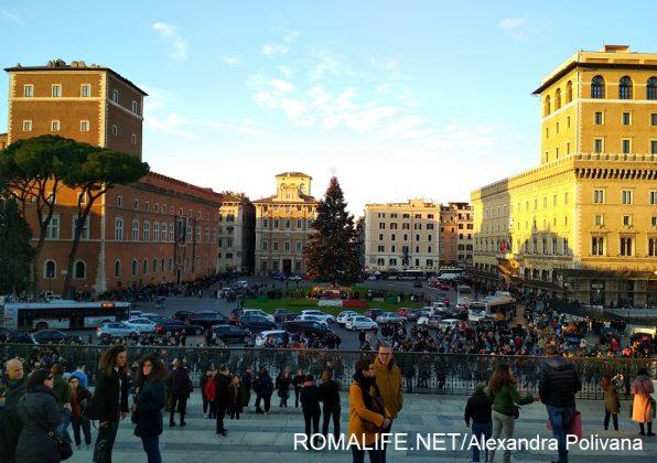 Январь Рим площадь Венеции