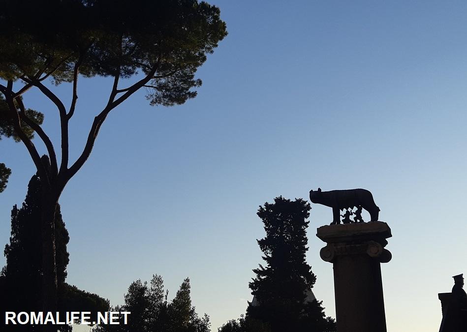 Капитолийская волчица - Рим бесплатно