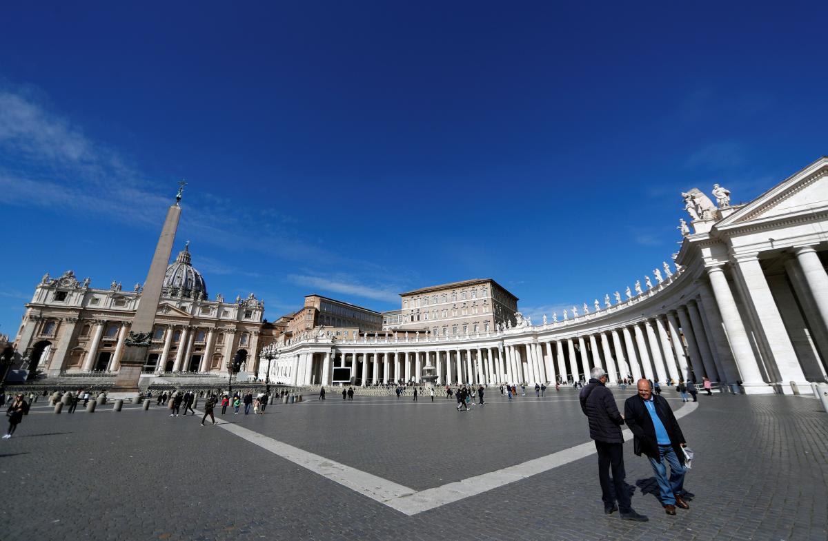 Площадь Петра в Ватикане