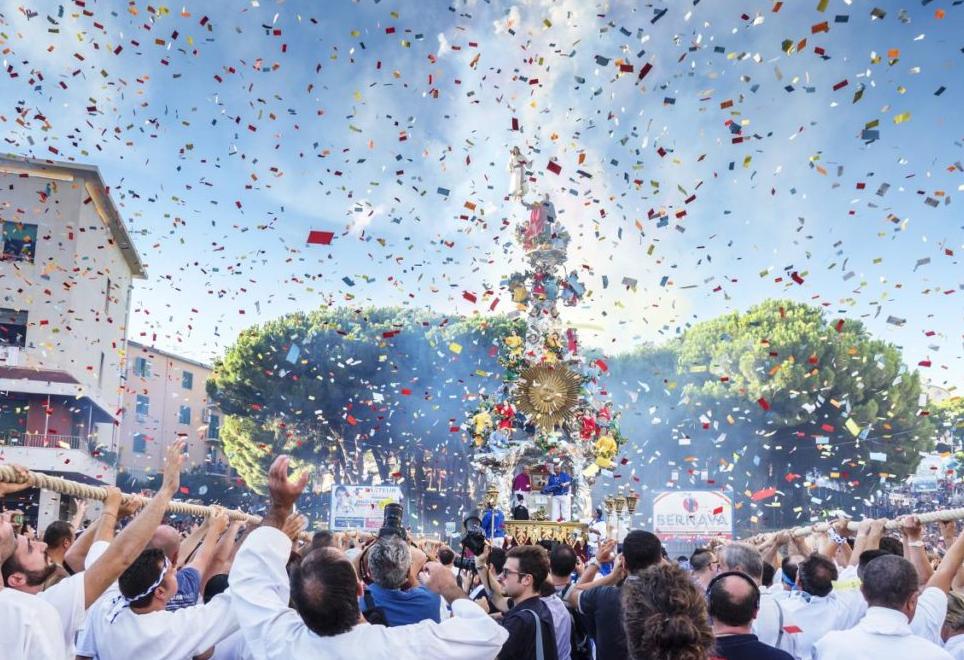 Праздник Феррагосто в Риме