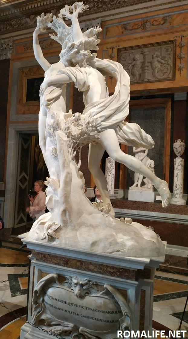 Аполлон и Дафна - скульптура Бернини