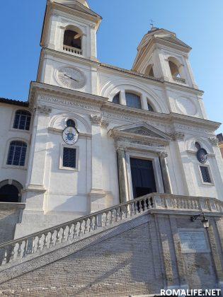 Церковь Троицы в Риме