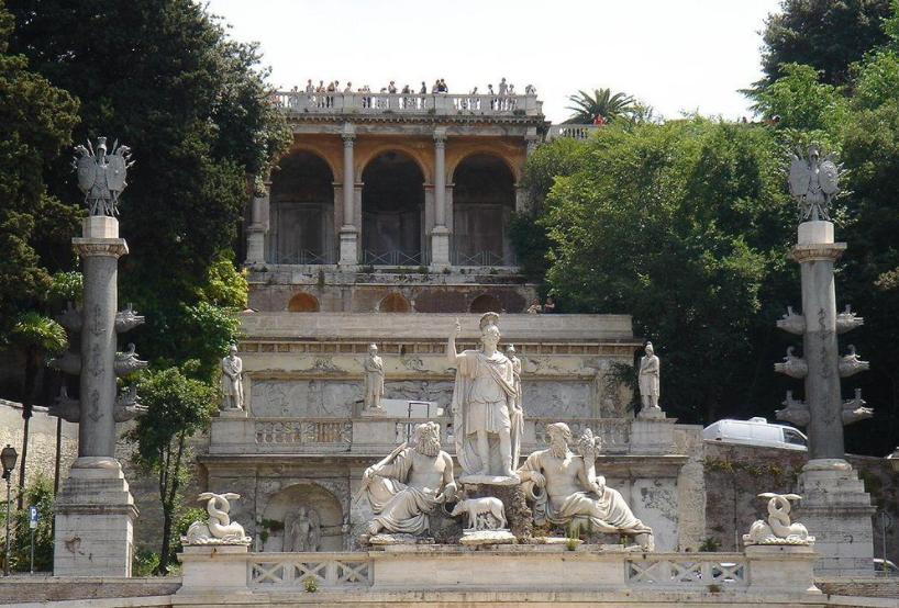 Фонтан на Народной площади Рима