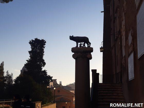 Капитолийская волчица в Риме